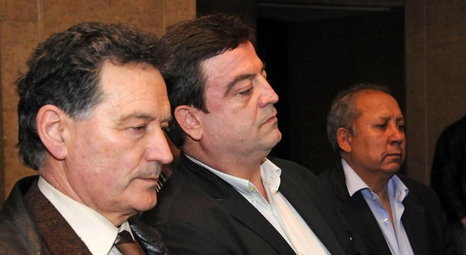 Г-н Местан изпусна питомното, да гони циганетата, обяви лидерът на Евророма