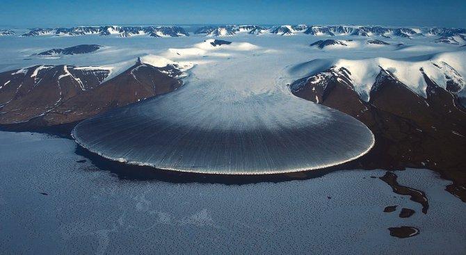 Невероятната земя: ледникът Слонски крак