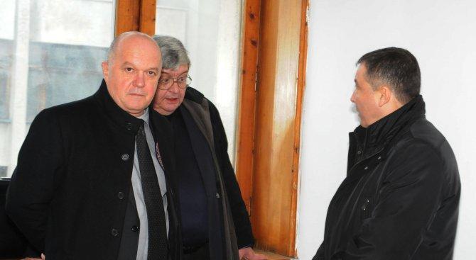 Бургаският окръжен съд прекрати делата срещу несебърския кмет