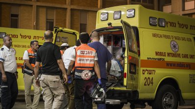 Палестинец уби с нож израелец на бензиностанция на Западния бряг