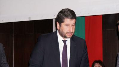 Юристи отказват да заемат мястото на Христо Иванов в кабинета