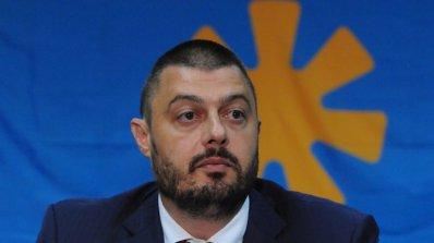 Бареков: Мястото на Радан Кънев е отзад при Велизар Енчев