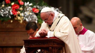 Християни от целия свят посрещат Рождество Христово на фона на напрежение и страх от тероризъм