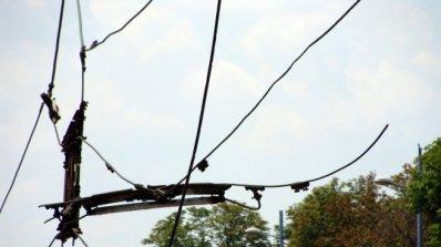Тролейбусни жици провиснаха и затвориха улица в Пловдив