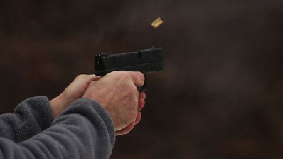 Безразборна стрелба с боен пистолет по жилищен блок в София