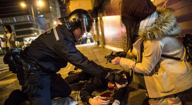 Сблъсъци в Хонконг (видео)