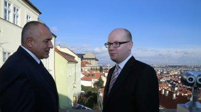 """Борисов: Гадове, медии бухалки и негодници са казали, че търгът за АМ """"Хемус"""" е спрян от в"""