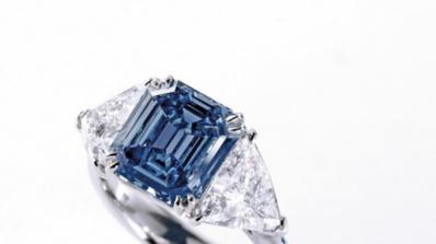 С 27 кг злато и плик с диаманти избягаха обирджиите от ЦУМ
