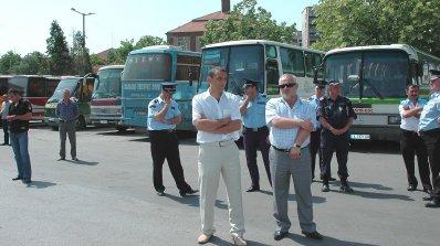 Над сто автобуса ще блокират София на 26 април