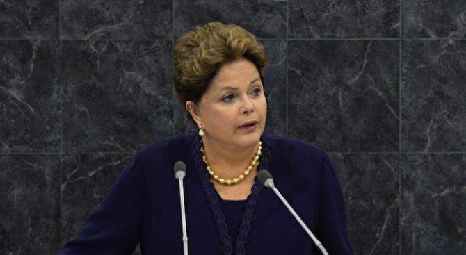 Комисията към сената на Бразилия одобри процедурата по импийчмънт на Дилма Русеф
