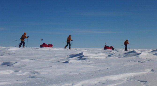 На Антарктида вече има връх Желю Желев