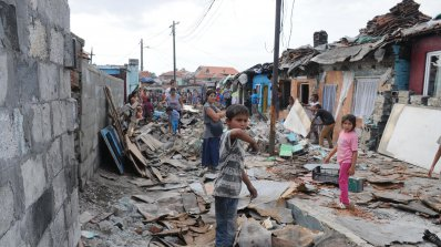 Събарят незаконни къщи в циганска махала в Стара Загора