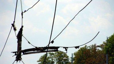 ТИР скъса тролейбусни жици в Казанлък (видео)