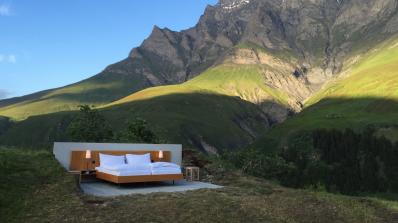В Алпите отвори хотел без стени