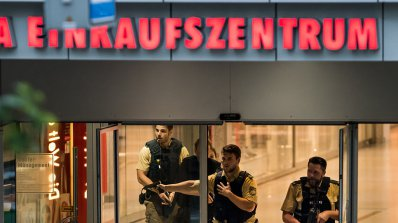 Сигнали за бомби затвориха гара и мол в Мюнхен