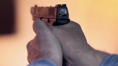 Мъж заплаши жена си с пистолет в Горна Оряховица