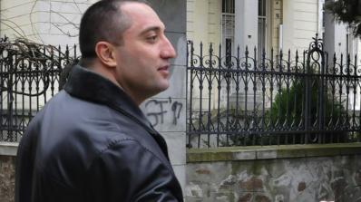 Криминалисти: Слънцето е плащал наем на Митьо Очите