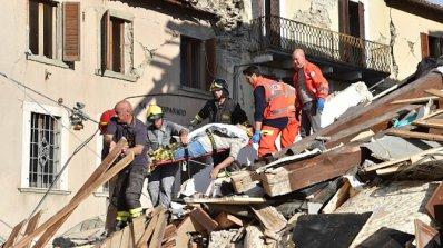 Пожарникар към загинало под руините в Италия дете: Прости ми