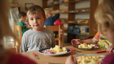 Здравословното хранене подобрява четенето при децата