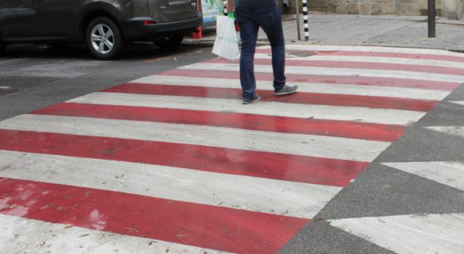 На пешеходна пътека правото невинаги е на пешеходеца (видео)