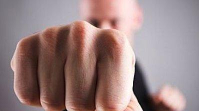 Мъжете все по-често стават жертви на домашно насилие