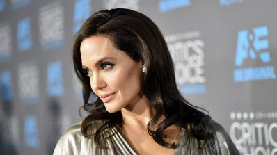 Анджелина Джоли нае имение до Ким Кардашиян и Кание Уест