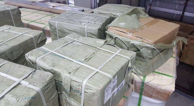c111f48aff1 Тонове недекларирана цигарена хартия задържаха митничарите в Пловдив  (снимки)