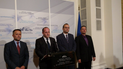 """Радан Кънев иска някой да понесе политическа отговорност заради АЕЦ""""Белене"""""""