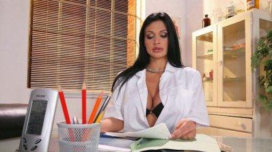 10 причини да си хванеш лекарка