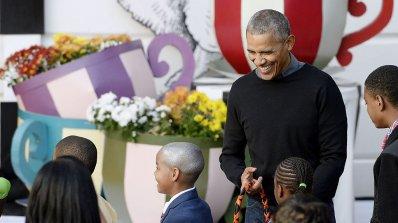 Семейство Обама раздадоха много лакомства за Хелоуин (видео)
