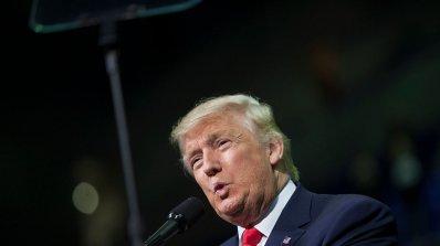 """Доналд Тръмп се усамоти с Мелания в """"Тръмп Тауър"""""""