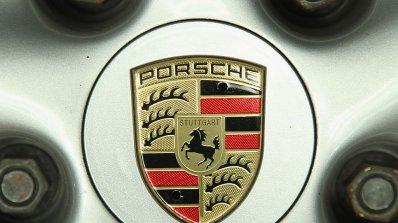 Сапьори взривиха Porsche за 150 000 долара