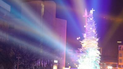 Дядо Коледа пристигна с влак в Благоевград