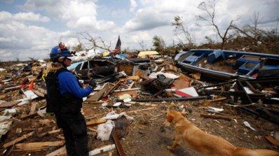 Бурите в щата Алабама отнеха живота на четирима души (видео)