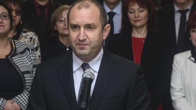 Радев разпуска парламента на 2 февруари, огласява екипа си и праща половината в служебния кабинет