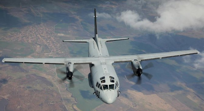 Борисов прати в Бургас военен самолет за момченце с усложнения след шарка (обновена)