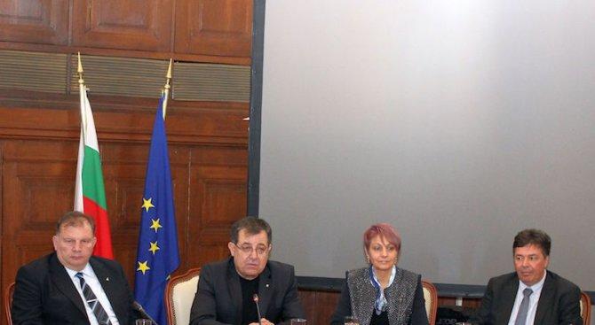 Земеделският министър представи заместниците си (снимка)