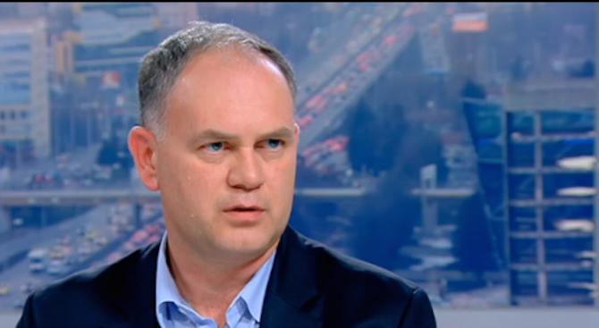 Кадиев: И виаграта да стане безплатна, пак няма да станем 9 млн. души, както обещават БСП