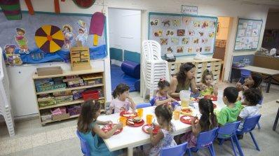Пържени и мазни храни давали на деца в детска градина