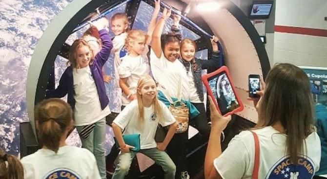 9-годишни българчета стъпват на Луната
