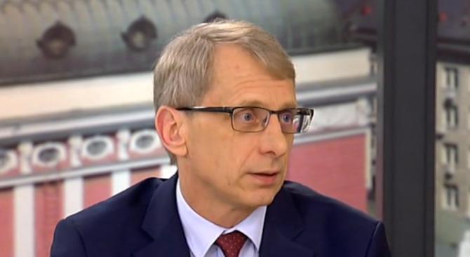 Проф. Денков: Мартенската заплата на учителите трябва да дойде с увеличението