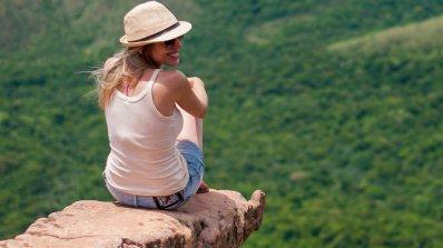 Пет съвета как да пътувате по света почти без пари