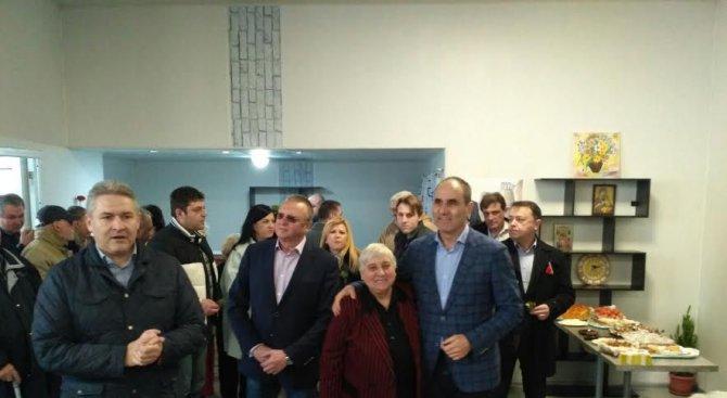 """Цветанов: Всеки да направи сравнение между кабинета """"Борисов"""" и  """"Орешарски"""" (снимки)"""