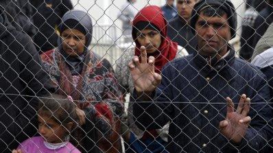 Броят на пристигащите бежанци в Германия продължава да намалява