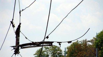 Тролейбусни жици паднаха на оживено кръстовище в Пловдив