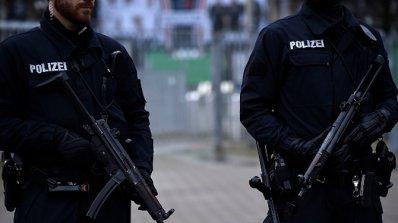 """Застреляха мъж на парижкото летище """"Орли"""" (видео)"""