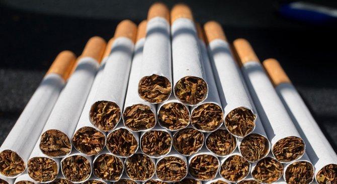 """Русенски митничари откриха 4000 къса нелегални цигари в камион на """"Дунав мост"""""""