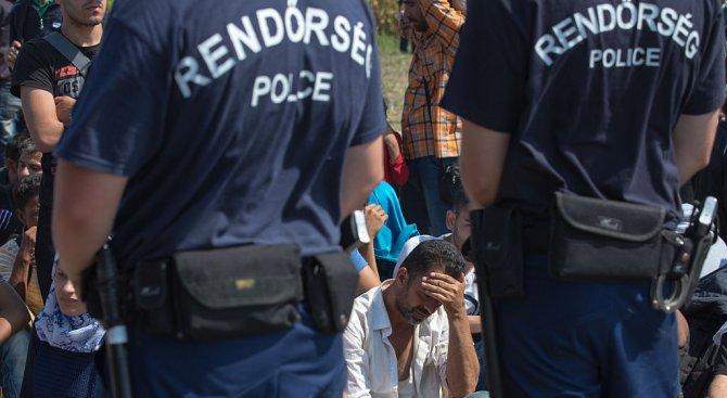 Унгария ще спира мигрантите с нова военна база край границата със Сърбия