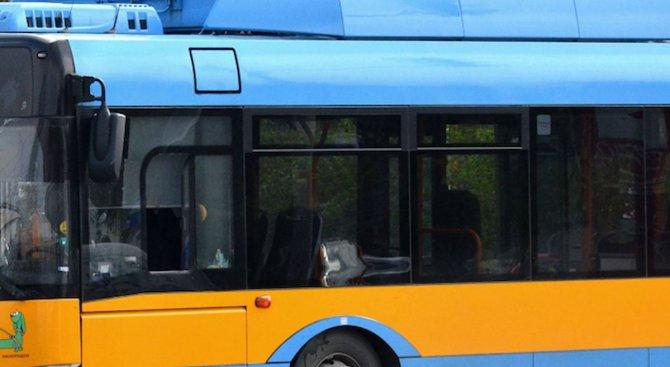 Временно се променя движението по маршрута на тролейбус № 9 поради повреда