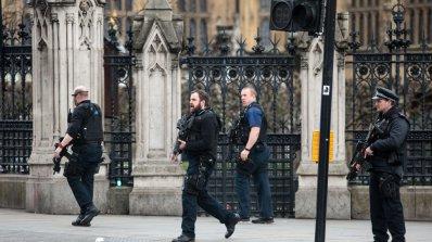Четирима загинали и 20 ранени при нападението в Лондон (обновена)